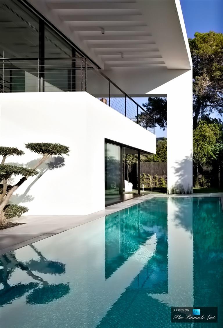 05-Contemporary-Bauhaus-Luxury-Residence-Carmel-Haifa-Israel