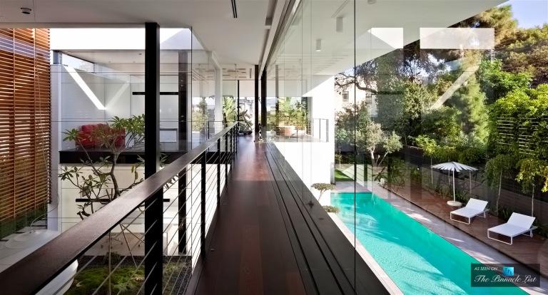 07-Contemporary-Bauhaus-Luxury-Residence-Carmel-Haifa-Israel