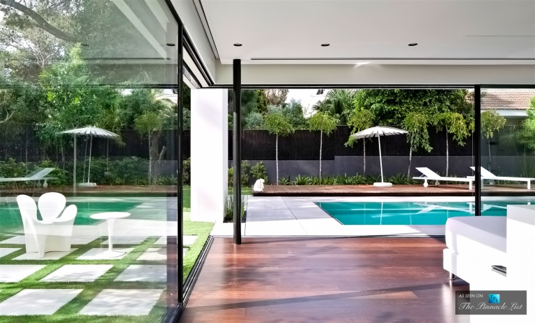 08-Contemporary-Bauhaus-Luxury-Residence-Carmel-Haifa-Israel