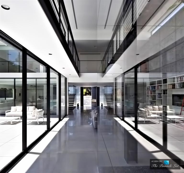 09-Contemporary-Bauhaus-Luxury-Residence-Carmel-Haifa-Israel