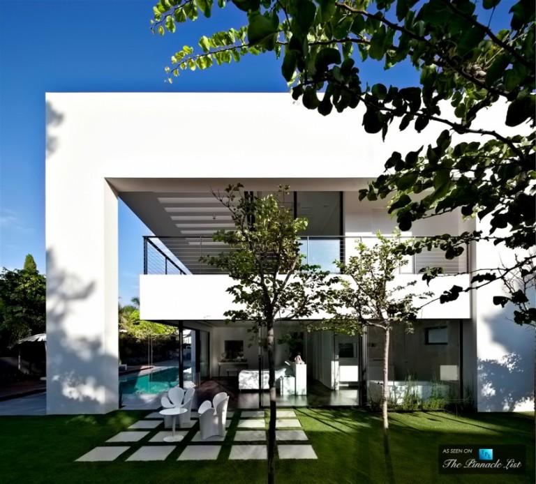 18-Contemporary-Bauhaus-Luxury-Residence-Carmel-Haifa-Israel-843x762