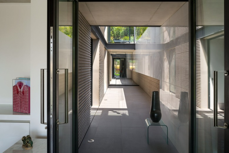 H3 villa-contemporaine-st-tropez-Vicent-Coste-08