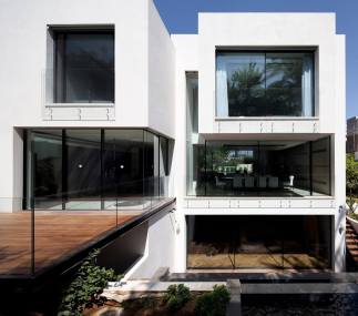The-House-of-The-Hovering-Cube-Yulie-Wollman-08