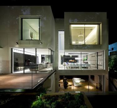 The-House-of-The-Hovering-Cube-Yulie-Wollman-10