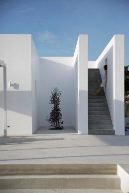 Maison Kamari by React Architects 13