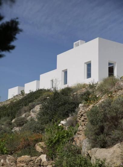 Maison Kamari by React Architects 15