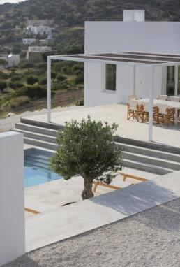 Maison Kamari by React Architects 18