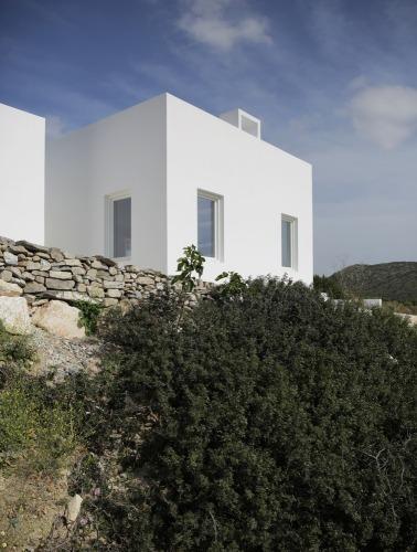 Maison Kamari by React Architects 19