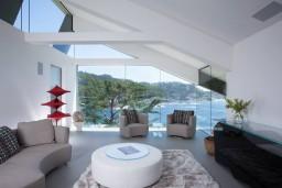 064-carmel-highlands-residence-eric-miller-architects-1050x702