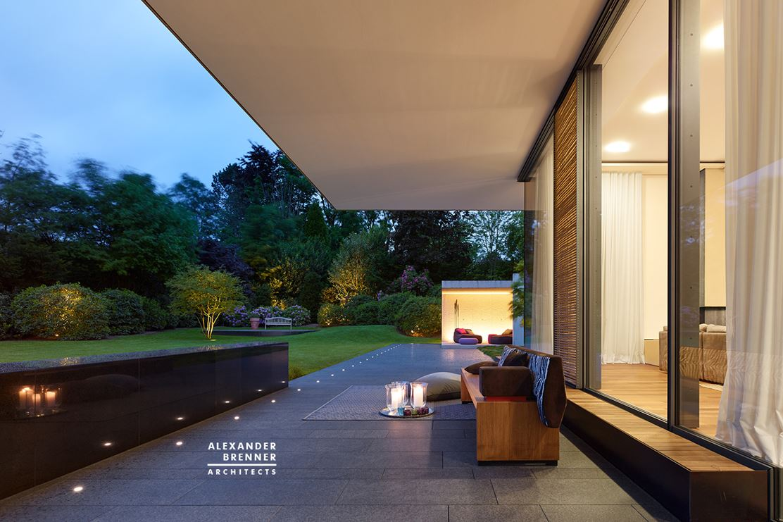 Bredeney House by Alexander BrennerArchitects