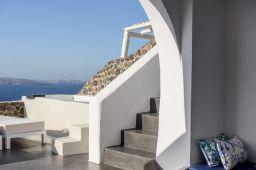 Solstice Luxury Suites in Oia Village of Santorini Island