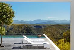 total-white-modern-house-south-africa_oggetto_editoriale_h495-4