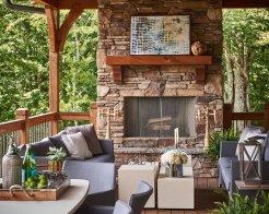 010-mountain-retreat-britto-charette-interiors-1050x840