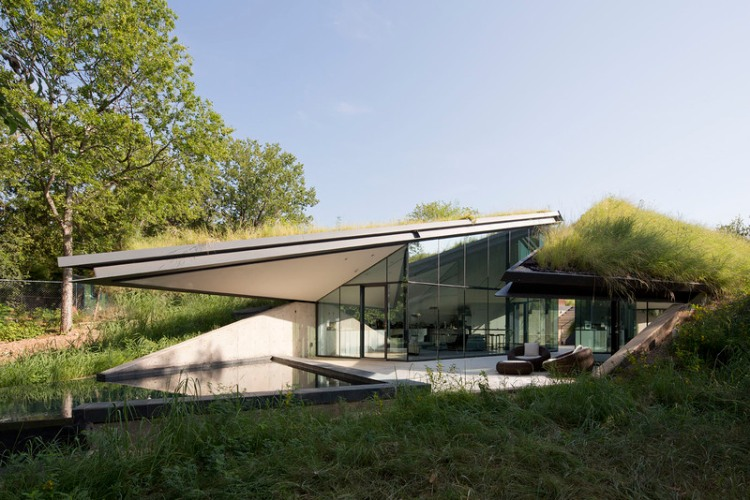 Edgeland House by Bercy Chen Studio 03