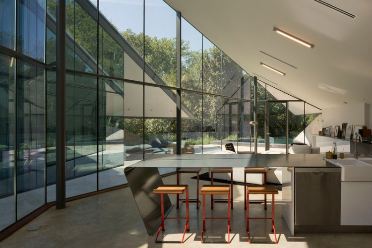 Edgeland House by Bercy Chen Studio 05