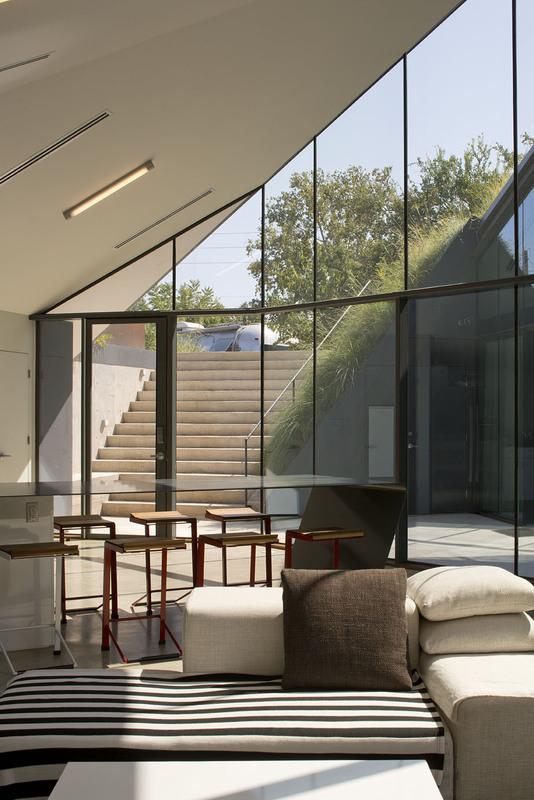 Edgeland House by Bercy Chen Studio 06
