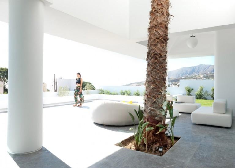 summer-house-in-santorini_kapsimalis-architects_dezeen_1568_16-936x669