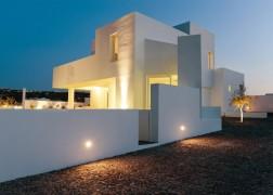 summer-house-in-santorini_kapsimalis-architects_dezeen_1568_20-936x669