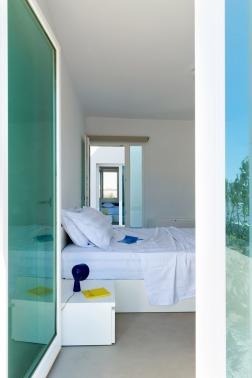 summer-house-in-santorini_kapsimalis-architects_dezeen_936_19