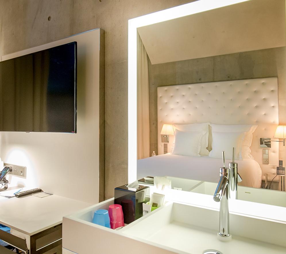 alcove-cosy-queen-bed-1web