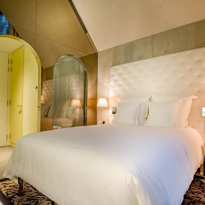 alcove-cosy-queen-bed-2web