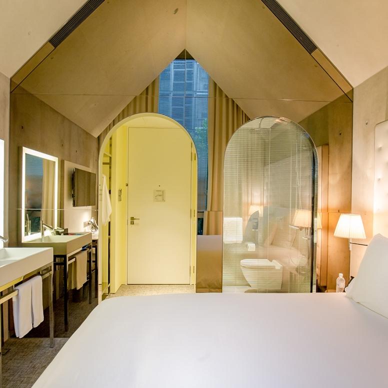 alcove-cosy-queen-bed-3web
