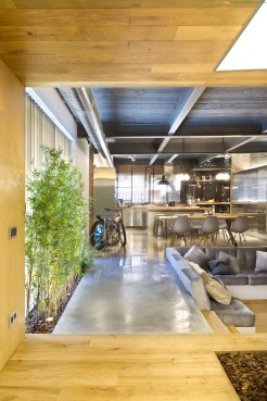commercial-space-turned-into-a-loft-in-terrassa-009