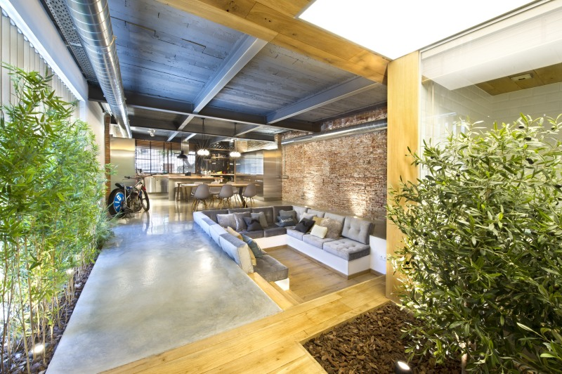 commercial-space-turned-into-a-loft-in-terrassa-010
