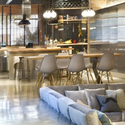 commercial-space-turned-into-a-loft-in-terrassa-014