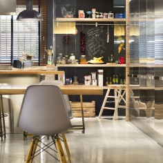 commercial-space-turned-into-a-loft-in-terrassa-015