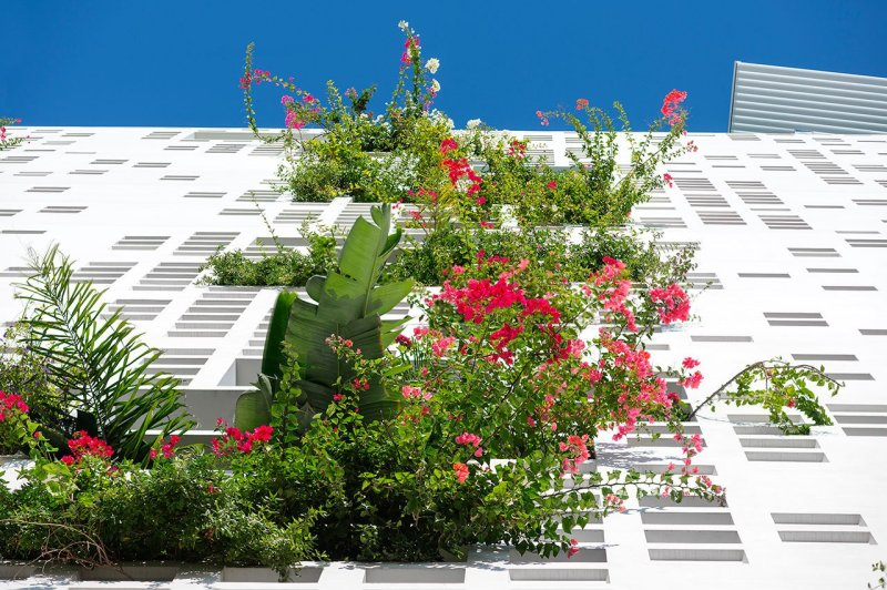 f3_white_walls_nicosia_cyprus_ateliers_jean_nouvel_photo_by_yiorgis_yerolymbos