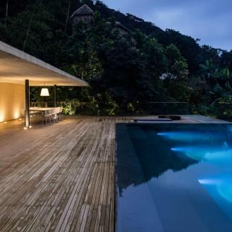 jungle-house-by-marcio-kogan-studio-mk27-and-samanta-cafardo-030