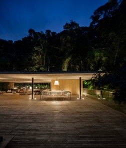 jungle-house-by-marcio-kogan-studio-mk27-and-samanta-cafardo-033