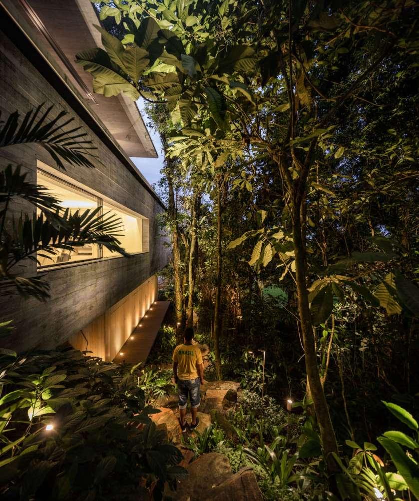 jungle-house-by-marcio-kogan-studio-mk27-and-samanta-cafardo-062
