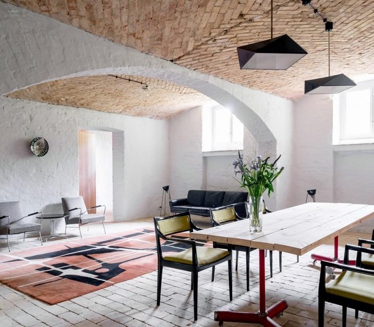 Summer Apartment Near Berlin By Studio Loft Kolasiński