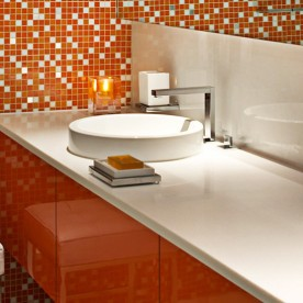 luna2-private-hotel-orange-room-bathroom-e1456993038777