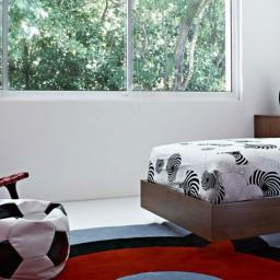 luna2-private-hotel-red-bedroom-e1457577011609