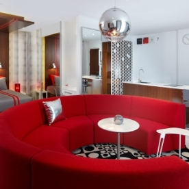 luna2-studios-red-room-m-03-x2