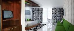 luna2-studiotel-green-study-desk-to-balcony-e1457060779545