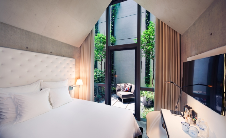 m-social-singapore-hotel-the-nicer-room