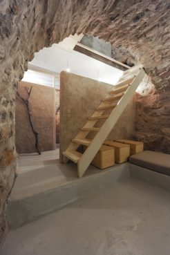 mani-tower-house-in-greece-from-z-level-studio-17-980x1471