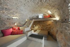 mani-tower-house-in-greece-from-z-level-studio-18-980x653
