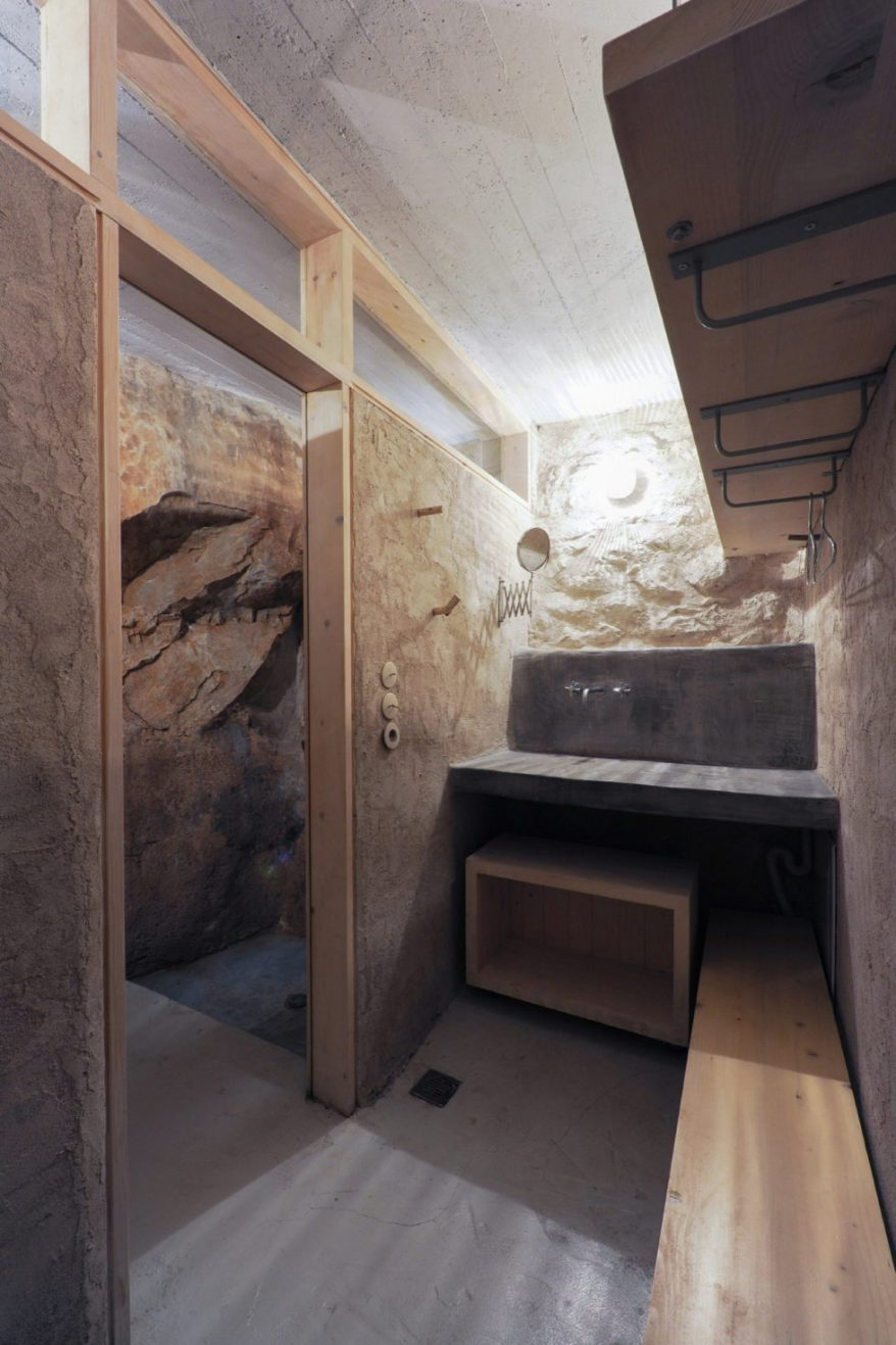 mani-tower-house-in-greece-from-z-level-studio-24-980x1471