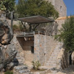 mani-tower-house-in-greece-from-z-level-studio-8-980x1470