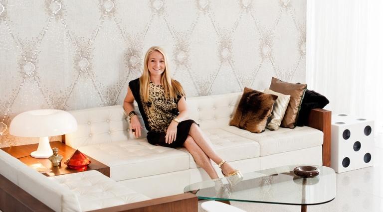 melanie-hall-owner-sofa-01-2
