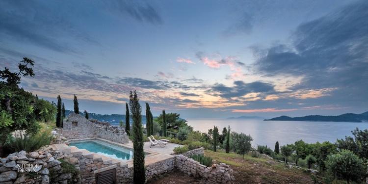 thumbs_reesroberts-antoniozaninovic-residential-outdoorview-0316-homes-large-jpg-770x0_q95