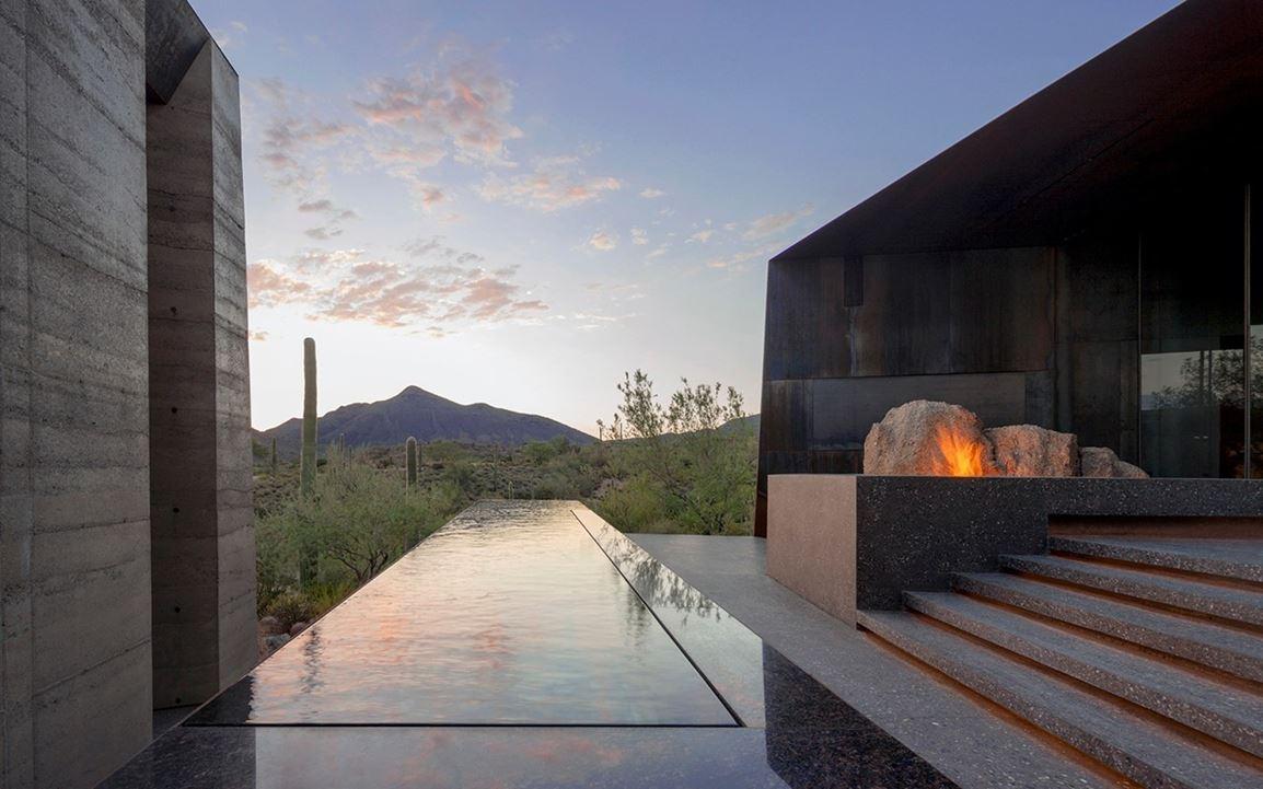 Desert Courtyard House by Wendell BurnetteArchitects