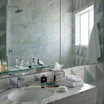 g-bathroom2