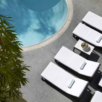 g-pool-chairs