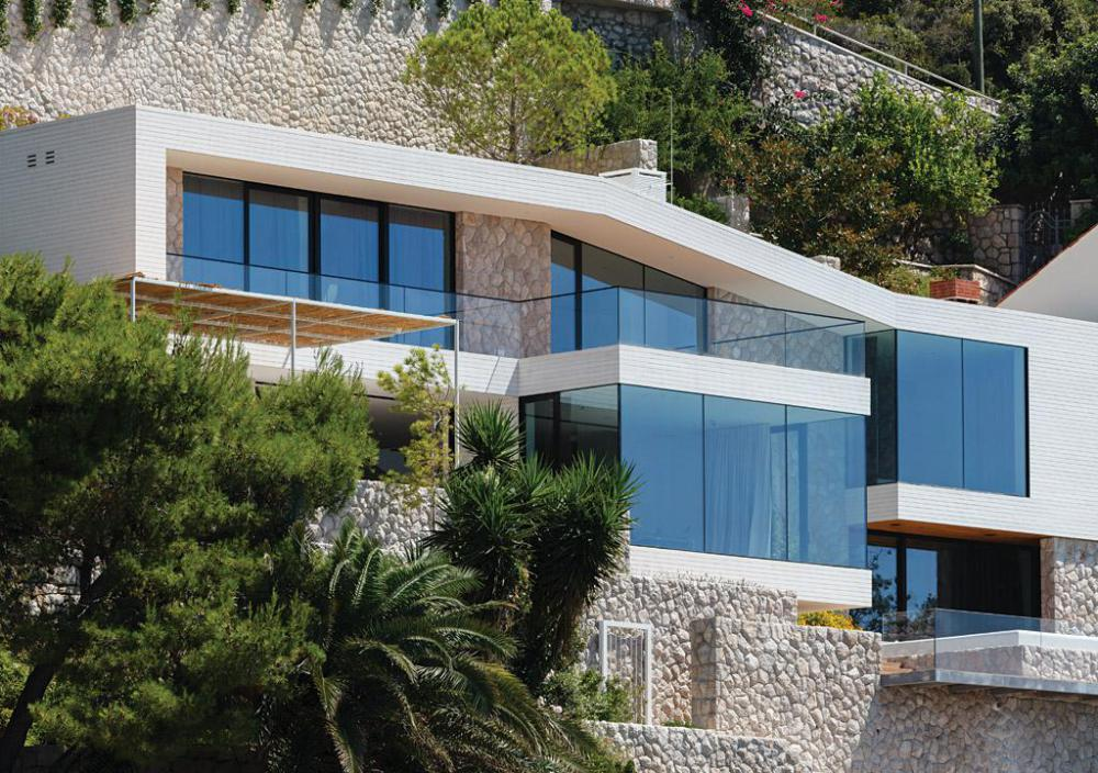 House V2 by3LHD